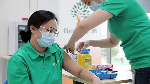 Staf Ren Ci, SCDF terima vaksin Covid-19
