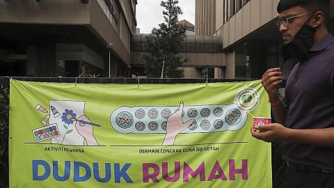 Umno lahir prihatin; Dr M dan Anwar persoal keputusan isytihar darurat