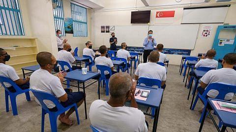53 pelajar banduan terima keputusan GCE 'O'