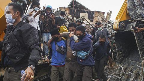 BERITA Usaha menyelamat diperhebat, korban cecah 45 GEMPA LANDA SULAWESI