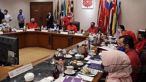 Umno tangguh perhimpunan agung tapi akan teruskan pemilihan pimpinan parti