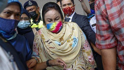 Rosmah sedih, tertekan diarah bela diri