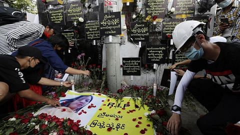 Pembantah hiba atas kematian belia, AS gesa elak keganasan