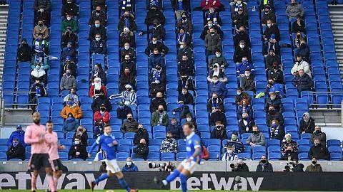 Sehingga 10,000 penonton diizin masuk stadium England mulai pertengahan Mei