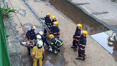 Wanita ditemui tertiarap di longkang diselamatkan SCDF