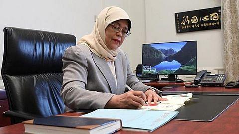 Presiden Halimah luluskan keluar $11b rizab lalu bagi Bajet