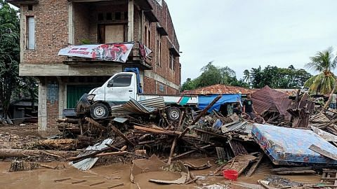 Banjir kilat, tanah runtuh korbankan lebih 75 penduduk