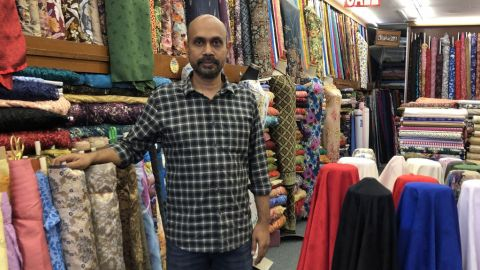 Niaga kain, tekstil sekitar Arab Street terus mencabar