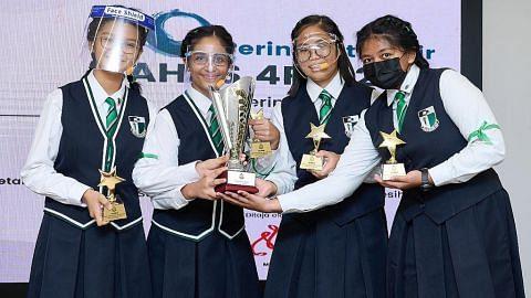 Sekolah Perempuan Raffles juara Bahas 4PM
