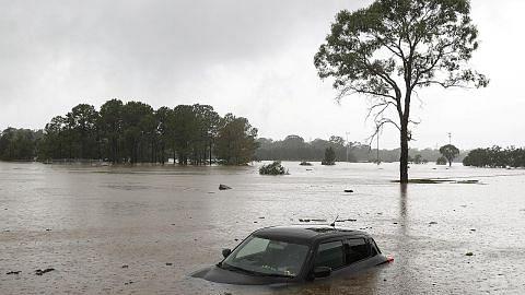 TAHUN 2100: SENARIO TERUK TAHUN 2100: MANUSIA BANGKIT HADAPI CABARAN Iklim masa depan kini di tangan kita