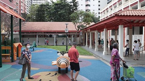 Penduduk di sekitar pasar Bukit Merah View jalani ujian swab
