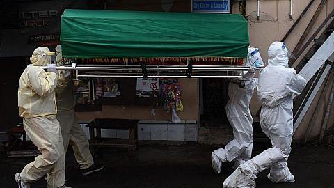Hampir 14 jam tunggu jenazah diambil sedang kes Covid-19 meningkat di Jakarta