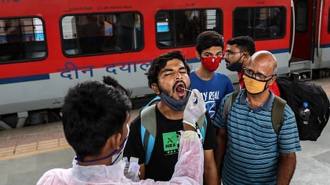India mungkin hadapi gelombang ketiga walau vaksinasi capai rekod