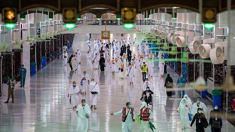 Jemaah haji dijangka laksana wukuf di Arafah hari ini