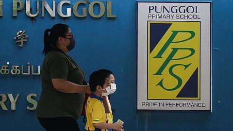 Murid Sekolah Rendah Punggol jalani ujian swab wajib