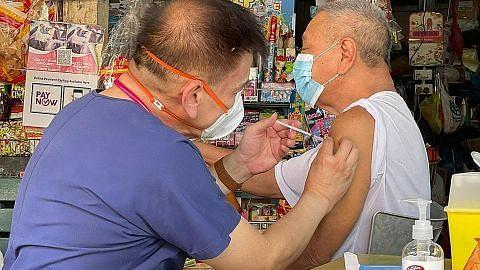 Doktor, jururawat di luar sektor kesihatan awam digesa bantu beri vaksin