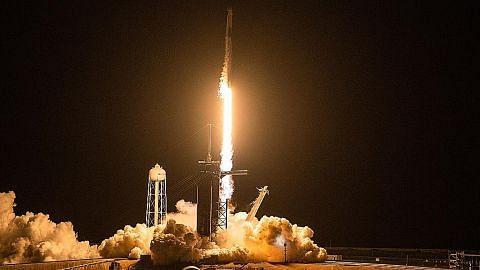 SpaceX hantar kru amatur ke orbit Bumi buat kali pertama