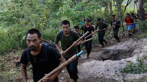 BERITA / RENCANA ,SEJAK TUMBANGKAN PEMERINTAH SUU KYI, JUNTA HADAPI ASAKAN PELBAGAI ARAH KRISIS PALING TERUK DALAM 20 TAHUN Hampir 9 bulan selepas kudeta, Myanmar masih huru-hara
