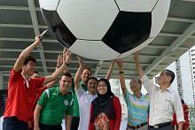 Biasiswa bola sepak bagi belia di Buangkok