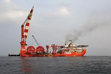 Firma marin Ezra muflis: Harga saham minyak dan gas S'pura susut