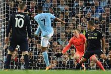 Gol Sterling selamatkan City