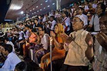 Kebimbangan krisis menular ke Yangon dan tempat lain
