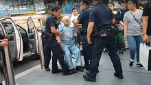 'Parrot Man' Zeng Guoyuan arrested for disorderly behaviour in Orchard Road