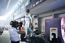 Lewis Hamilton wins Singapore Grand Prix, extends drivers' championship lead