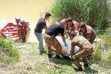 Lima selamat serbuan polis, maut di sungai