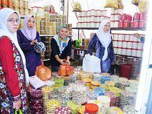 Perubahan politik tidak jejas kemeriahan beli-belah Syawal di seberang Tambak