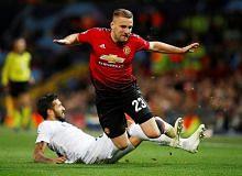 Luke Shaw hampir tandatangan kontrak baru dengan Manchester United