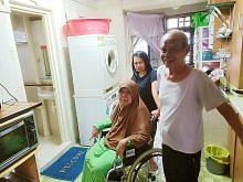 Suami isteri selesa tinggal di flat 3I meskipun tandas dan bilik mandi terletak di ruang dapur