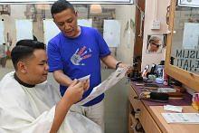 Tukang gunting ikut sebar mesej antidadah