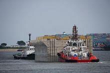 Fasa kedua bina terminal pelabuhan terbesar S'pura di Tuas bermula
