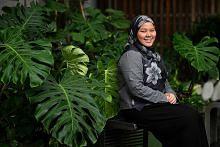 Ustazah Nur Insyirah seorang penganalisis di Dow Jones
