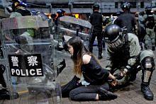 Tentera China beri amaran kepada penunjuk perasaan HK TUNJUK PERASAAN DI HONGKONG