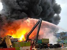 Kebakaran tapak urus sisa industri di Tuas: SCDF ambil masa 6 jam padam api