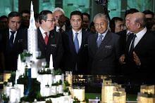 Mahathir: Bandar Malaysia diteruskan, siap dengan stesen HSR