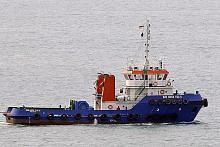 Lanun yang naiki sampan curi sekerap logam dari bot tunda di Selat S'pura