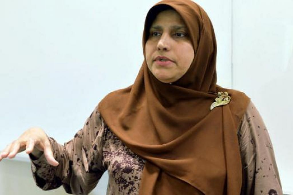 HARUS ADA PERANCANGAN: Dr Roksana Bibi Abdullah berkata Perancangan Bahasa Keluarga dapat memastikan anak-anak memperolehi penguasaan bahasa yang mantap sebelum memasuki alam persekolahan. – Foto KHALID BABA