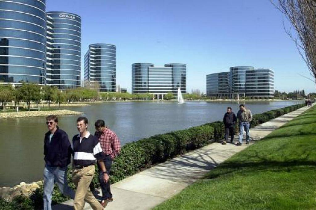 INGIN GANDAKAN BILANGAN PELAJAR: Lebih ramai pelajar Singapura disarankan mengunjungi pusat keusahawanan seperti pejabat Oracle di Lembah Silikon di Amerika Syarikat.ini. - Foto Fail