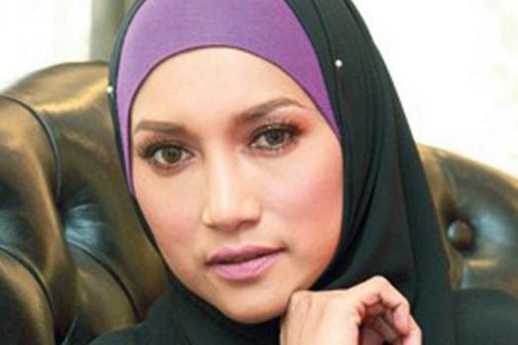 ZIANA ZAIN: Tawakal suami bertugas dengan MAS. - Foto UTUSAN MALAYSIA