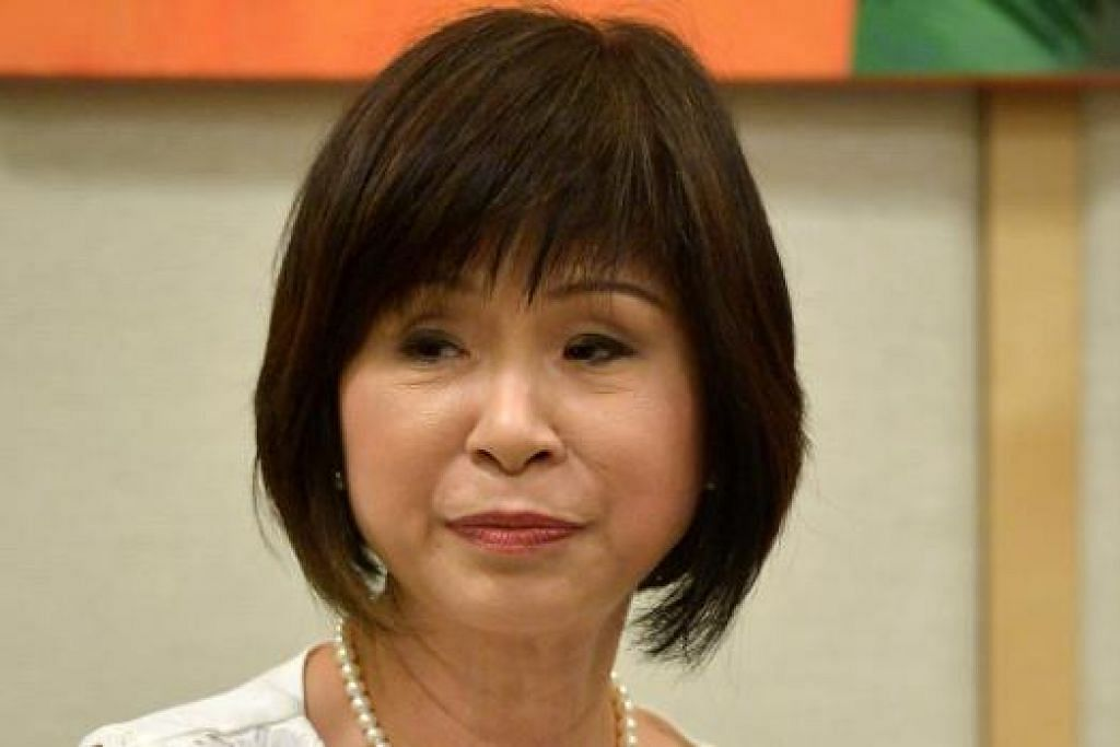 """""""Hari ini, penjagaan jangka pertengahan dan jangka panjang di rumah diberi subsidi sehingga 80 peratus bagi pesakit yang layak demi memastikan harga penjagaan itu adalah berpatutan. Pada 2010, Medisave dilanjutkan kepada penjagaan paliatif di rumah agar rakyat Singapura lebih mampu menggunakan perkhidmatan itu.""""  - Menteri Negara Kanan, Dr Amy Khor."""