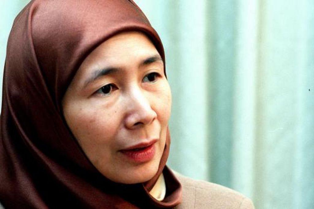 TANGANI KEMELUT: Presiden PKR, Datuk Seri Dr Wan Azizah Wan Ismail, menyeru semua pihak dalam Pakatan Rakyat (PR) agar bersatu. - Foto