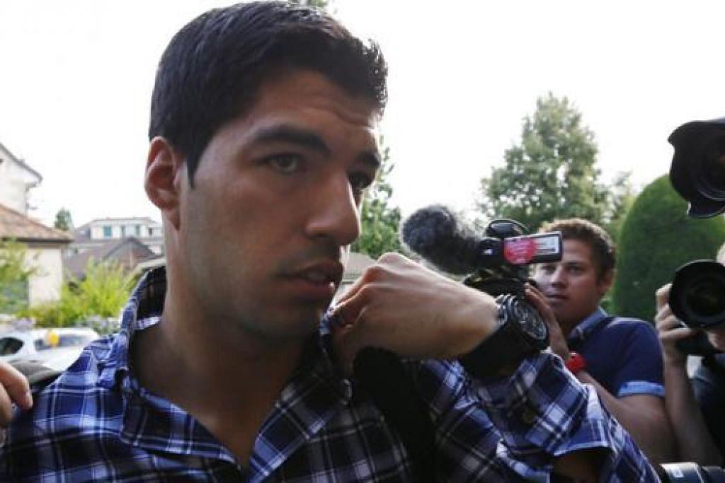 INGIN IKUTI LATIHAN: Luis Suarez berharap rayuannya kepada Mahkamah Timbang Tara Sukan akan berjaya dan membolehkannya berlatih dengan kelab baru, Barcelona. - Foto REUTERS