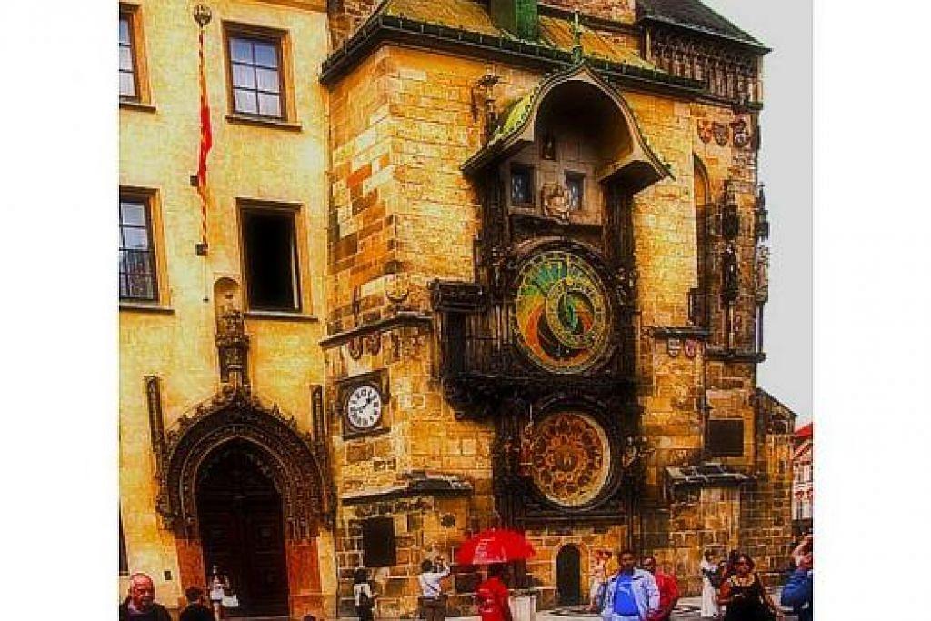 TEKNOLOGI DI KOTA BERSEJARAH: Sebuah jam besar yang dibuat pada 1410. - Foto-foto MOKSIM SALEH