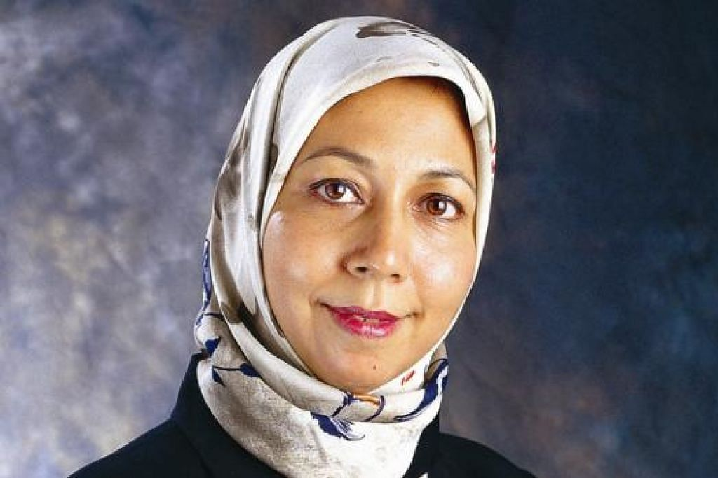 """Saya fikir penting sekali bagi kita merakam sejarah dan sumbangan tokoh dan generasi perintis dalam masyarakat sebelum kita terlewat dan terlepas peluang menghargai mereka."" - Pakar pendidikan dan juga aktivis sosial, Dr Bibi Jan Mohd Ayyub."