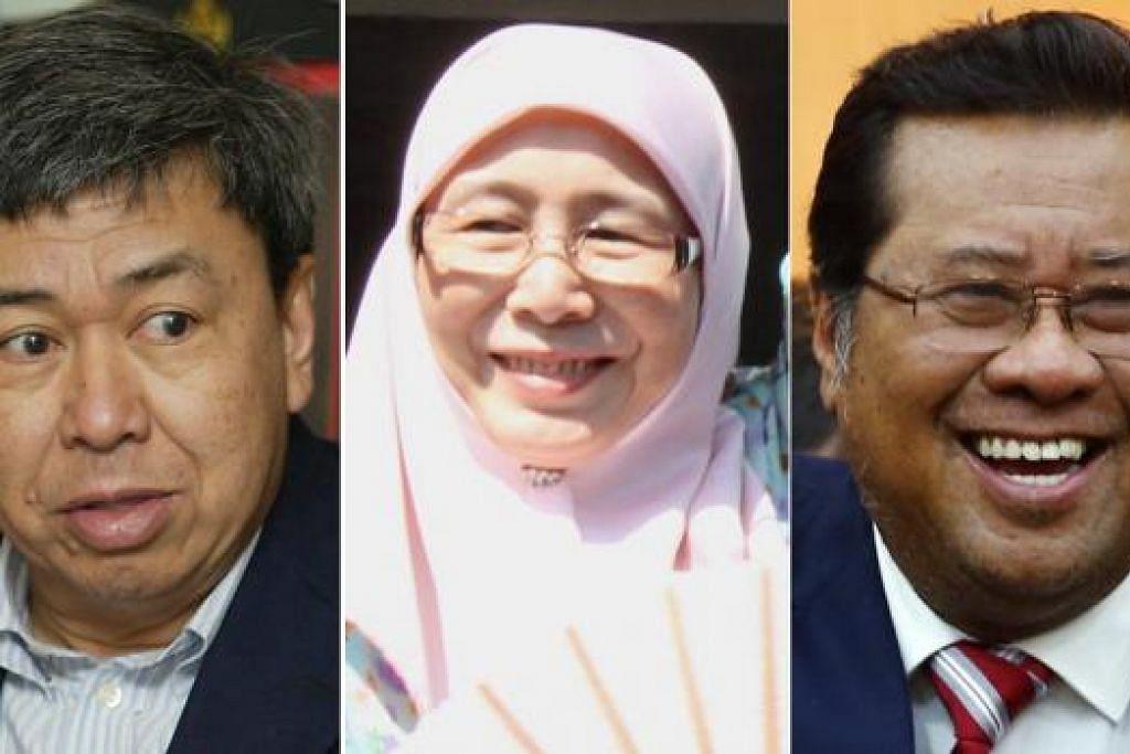 KEMELUT SEMAKIN RUNCING: Sultan Sharafuddin (kiri) tidak menerima usul PKR bagi melantik Dr Wan Azizah (tengah) bagi menggantikan Tan Sri Abdul Khalid (kanan) sebagai Menteri Besar Selangor. - Foto fail