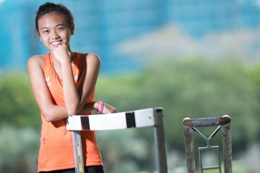 WAKIL TUNGGAL ATLETIK: Sukan Olimpik Belia (YOG) ini adalah pentas sukan terbesar pertama bagi atlit muda berbakat, Nur Izlyn Zaini, yang akan bersaing dalam perlumbaan 100 meter lompat pagar. - Foto SSP