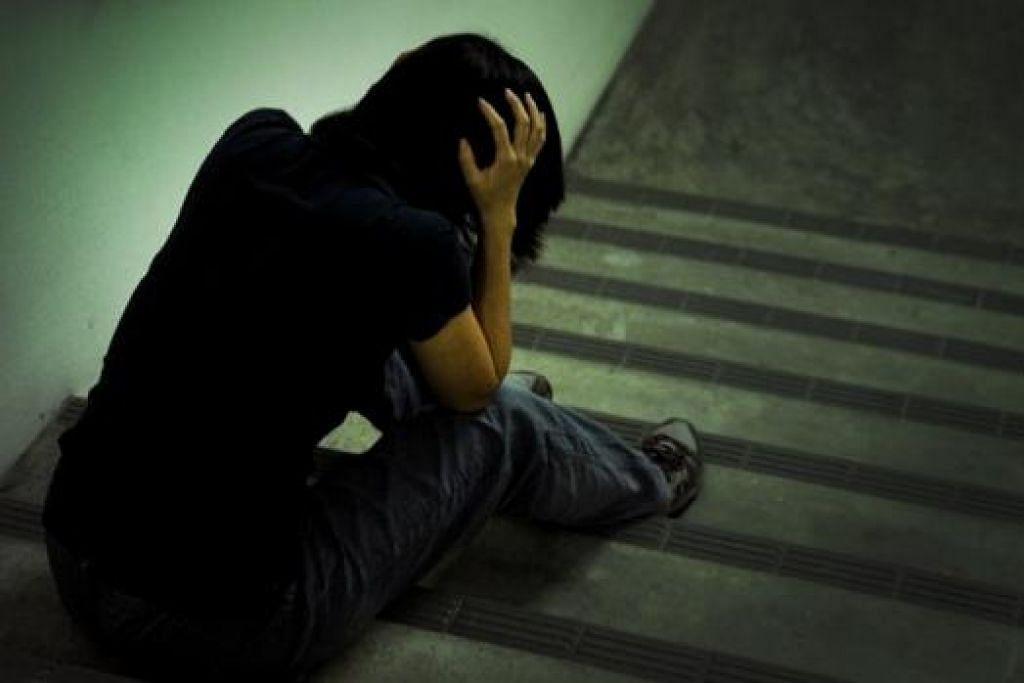 GANGGUAN DALAMAN: Kemurungan (tidak kira ringan atau berat) dan keresahan (keresahan secara umum, fobia dan serangan panik) adalah gangguan dalaman yang lebih lazim dalam kalangan wanita. - Foto hiasan